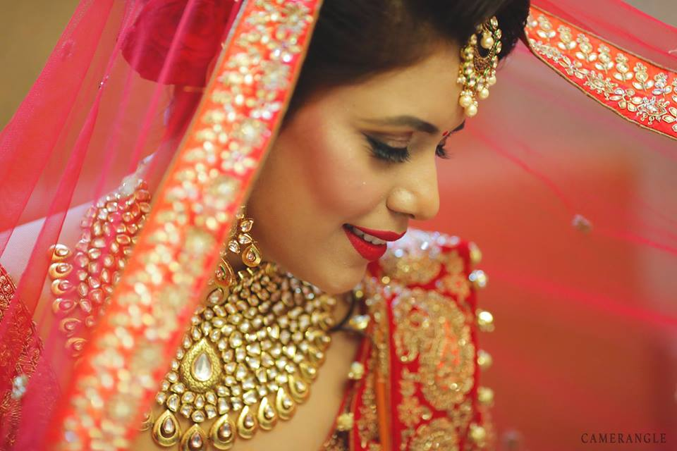 Bride with Veil Poses