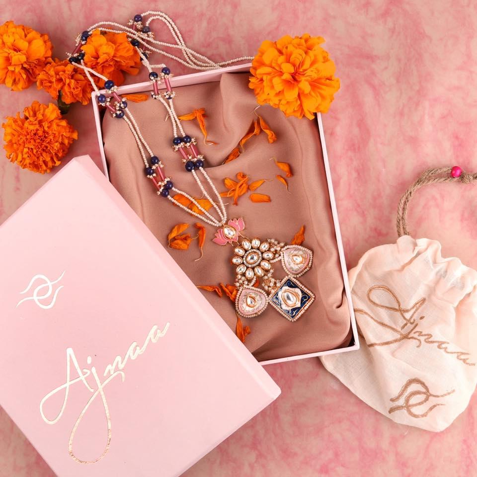 Semi Precious Stone Studded Pendant Set Gift Box