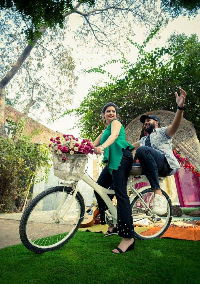 Pre Wedding Photography on Cycle