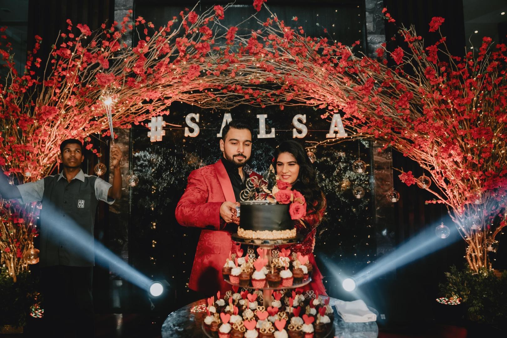 Indian Wedding Cake Cutting Ceremony