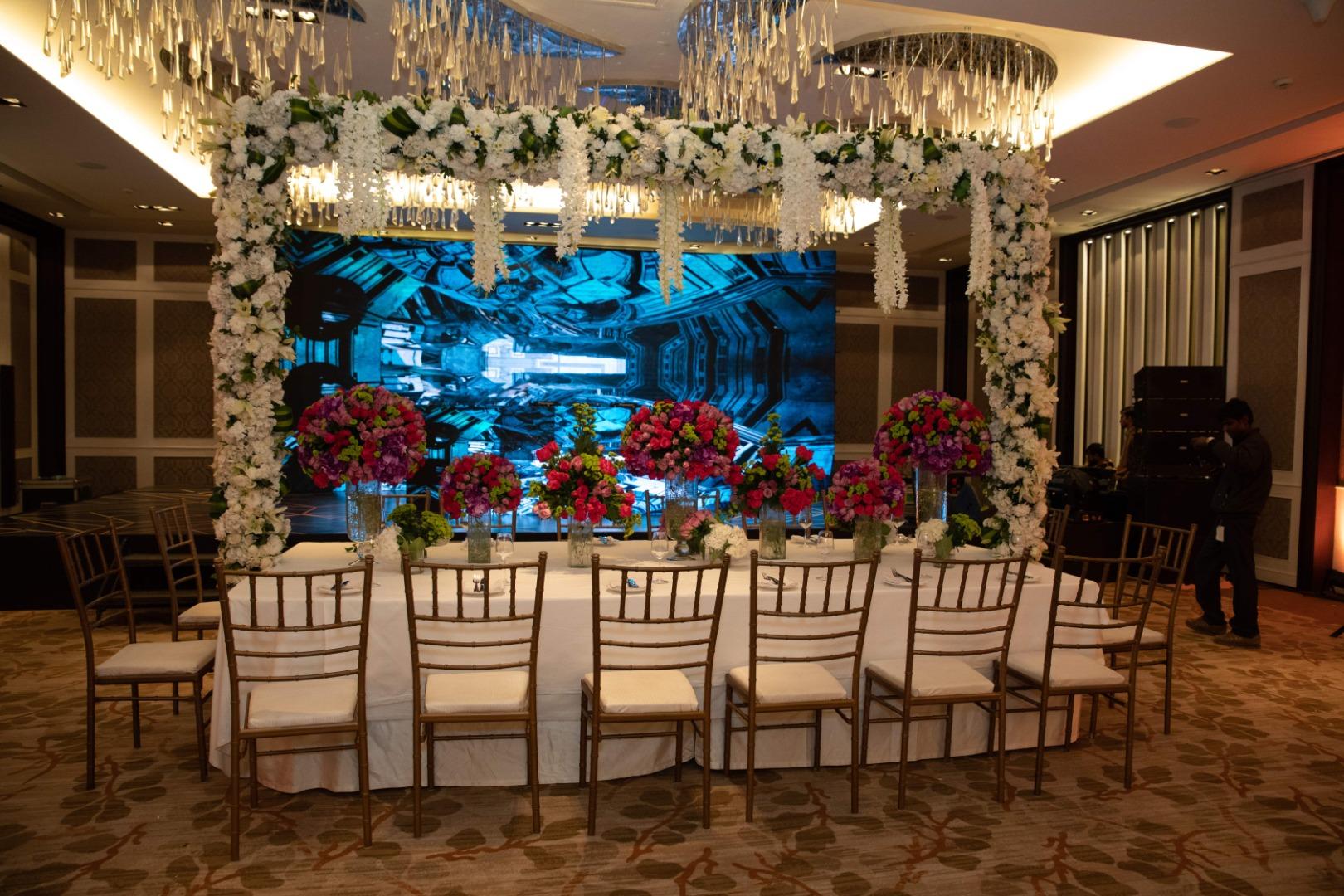 Dinner Table decor for Wedding Reception