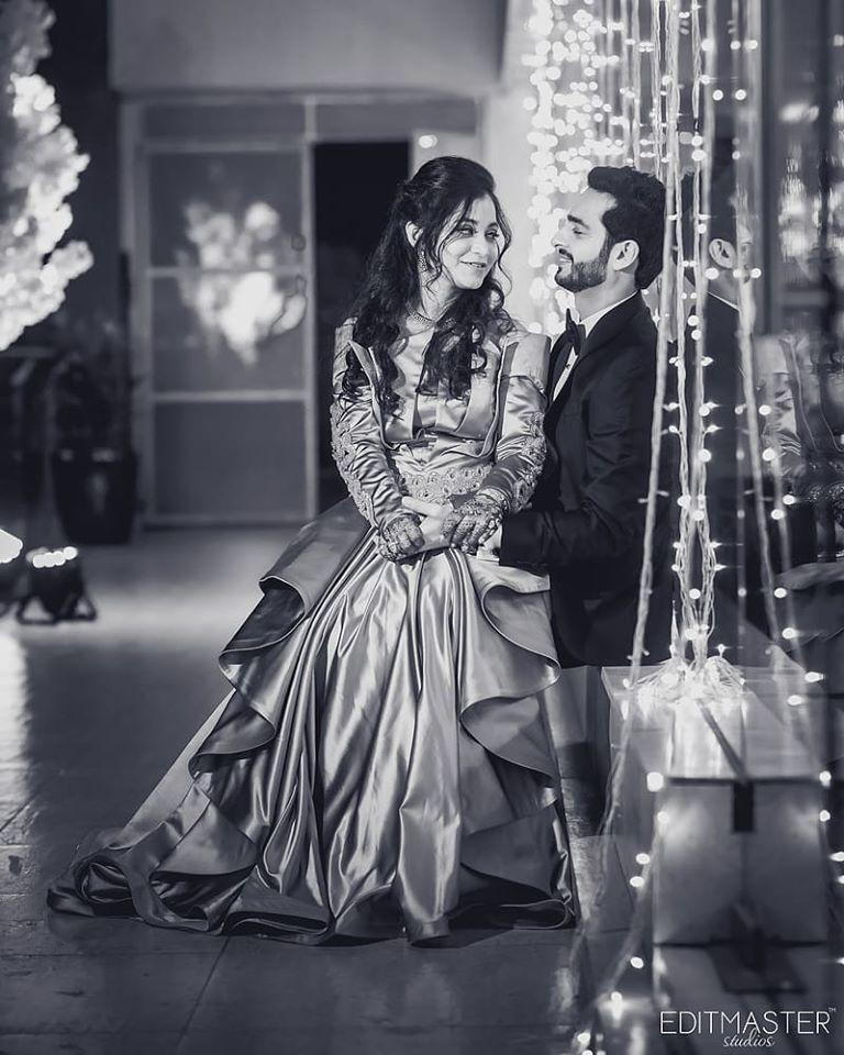 Black & White Romantic Couple Picture