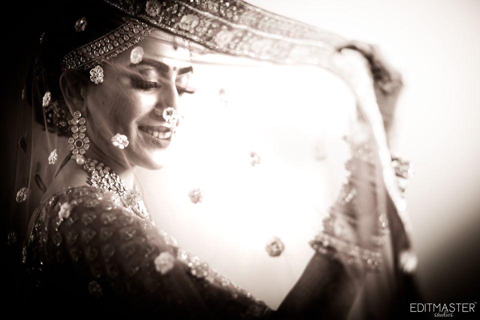 Bridal Solo Picture through a Ghungat