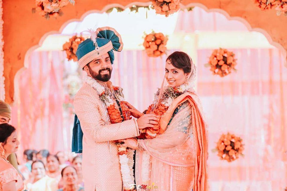 Happy Bride & Groom Varamala Picture