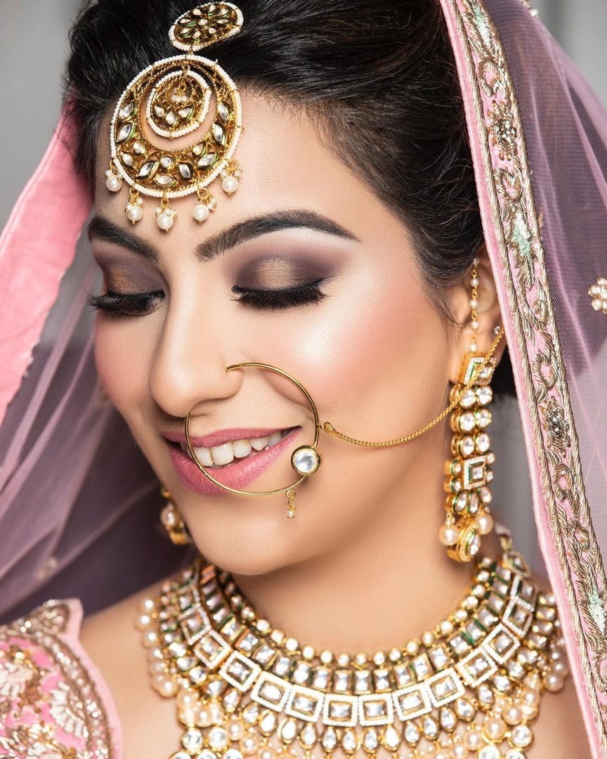 Beautiful Bride in Pink & Glowy & Natural Makeup