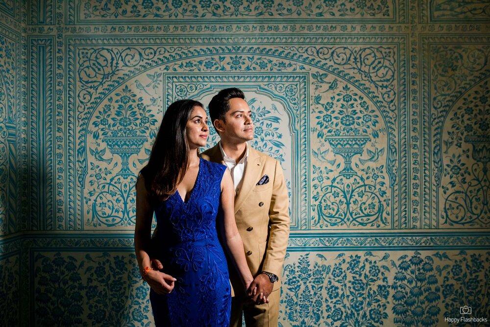 Royal Blue Theme Pre Wedding Couple Portrait Picture