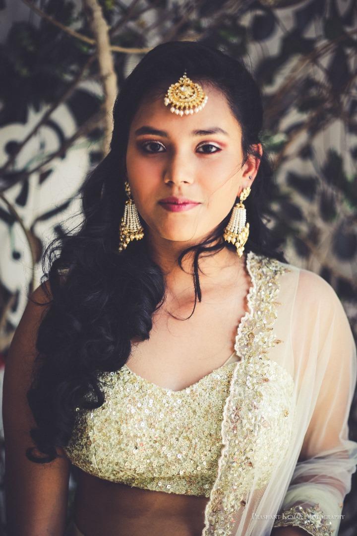 Beautiful Natural Makeup for Bridesmaids