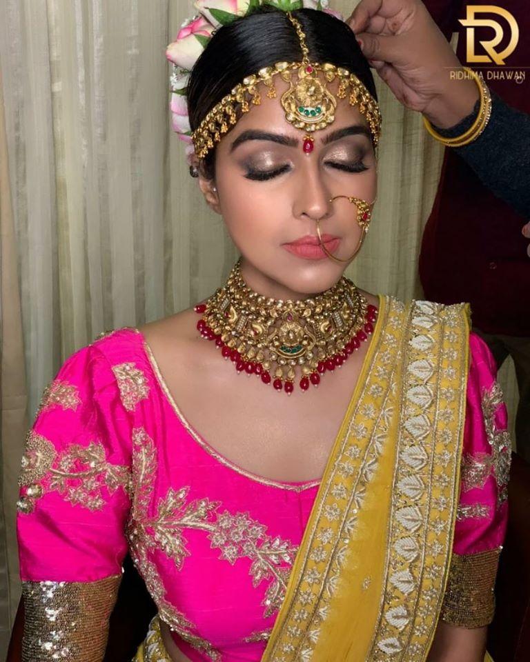 Pink and Golden Makeup Look