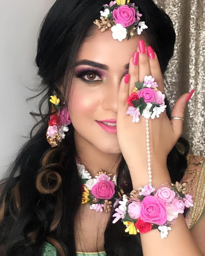 Pink Mehendi makeup