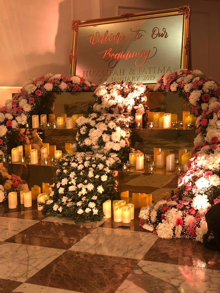 Flowers & Candles Welcome Signage Decoration