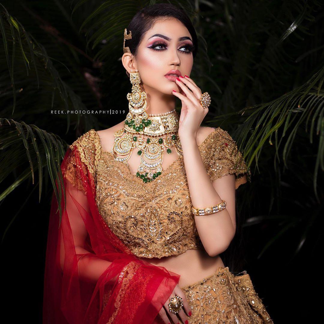 Beautiful bridal makeup and Lehenga ideas
