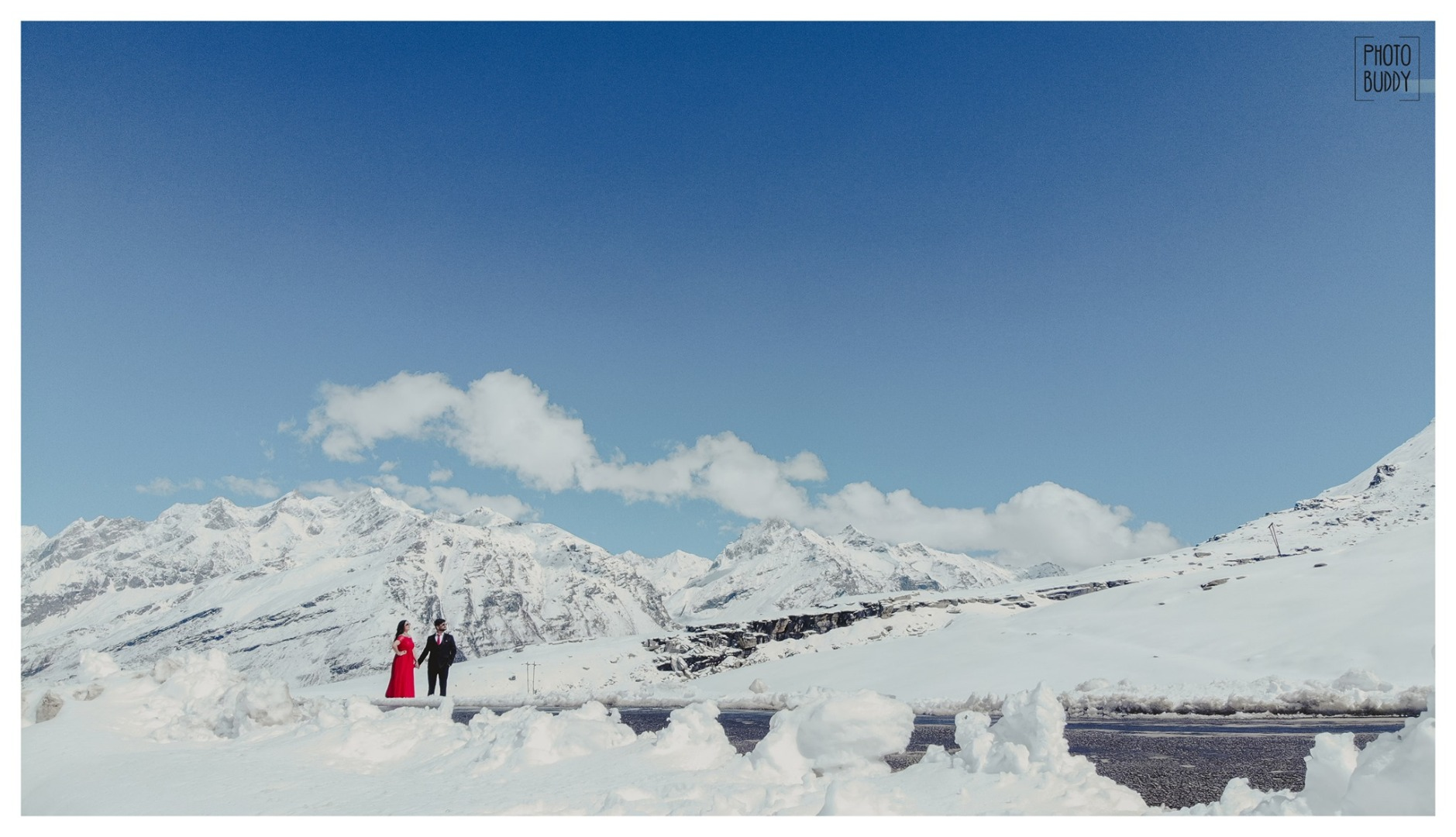 Pre Wedding Shoot amidst Snow caped Mountains