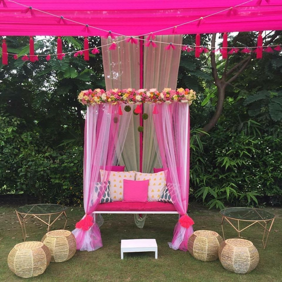 pink and white floral wedding decoration idea