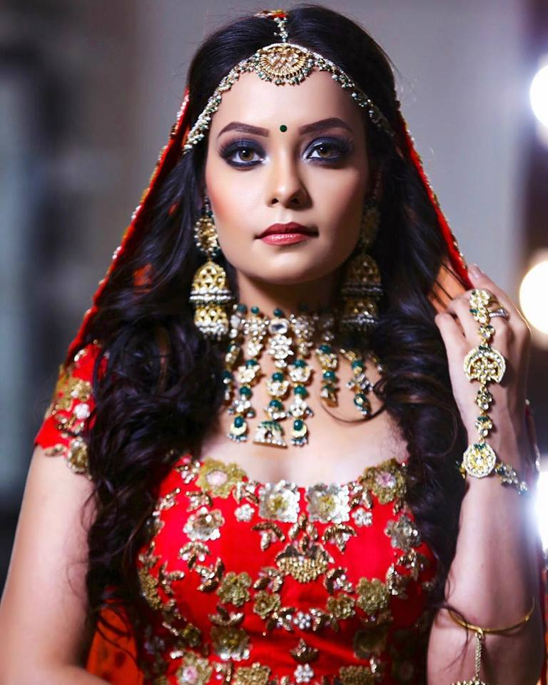 Blue Eye Makeup with Red Colored Lehenga