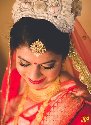 Bong Bride with Subtle Makeup