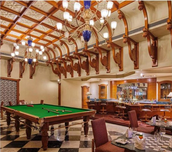 bars and restaurants for wedding