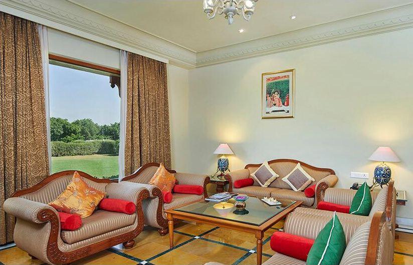 5 star wedding hotels living room