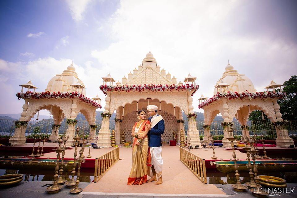 South Indian Bride & Groom and a Grand Traditional Wedding Mandap