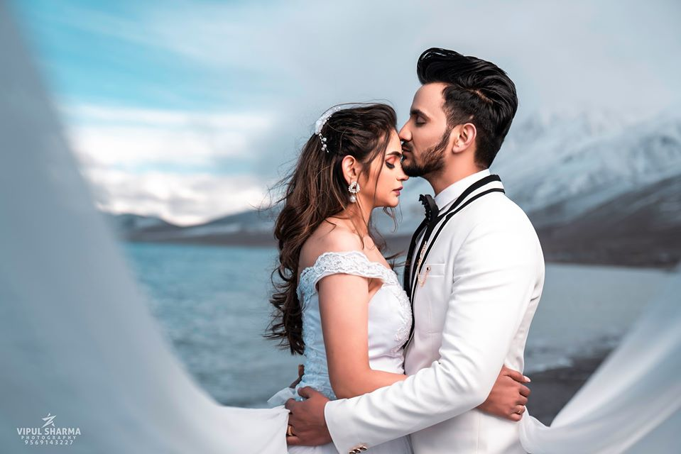 Pre Wedding Photography in Coordinating White Outfits