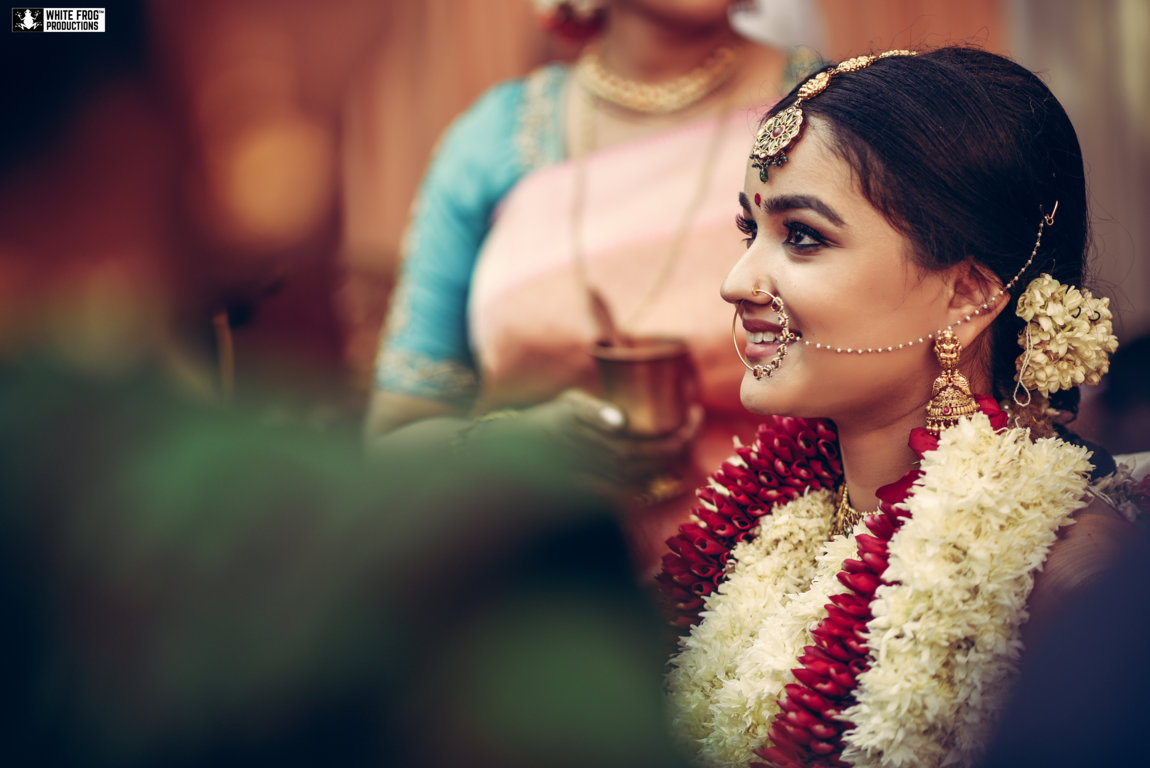A Beautiful Smiling South Indian Bride Solo Portrait Picture