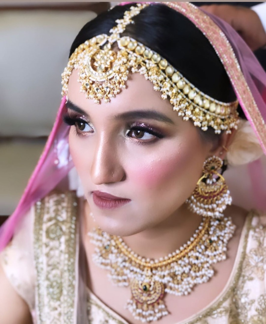 Eye Makeup with Golden and White Lehenga