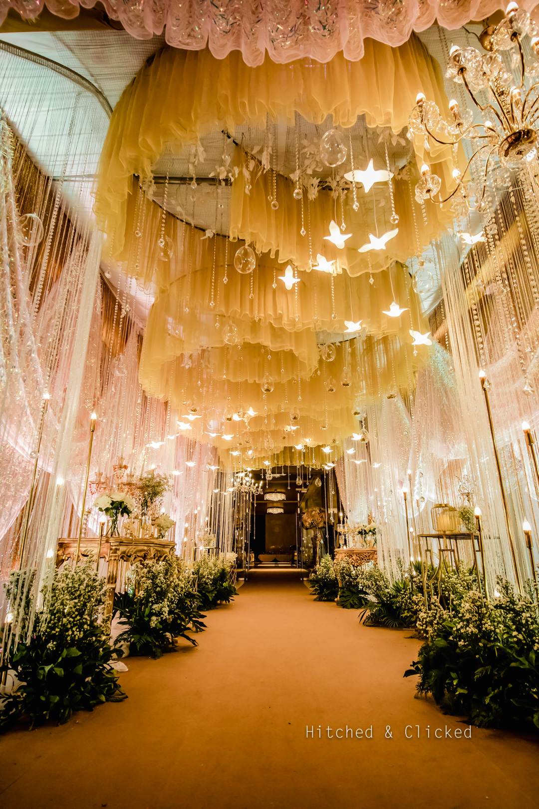 wedding decoration golden and pink theme
